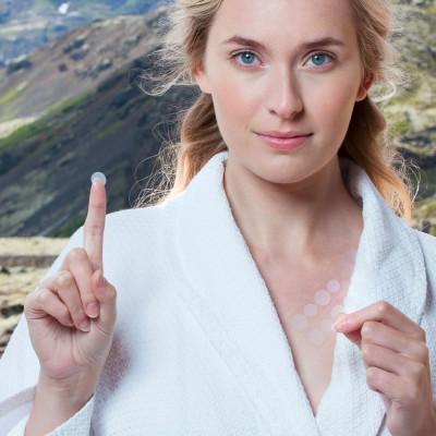 Мини-патчи для Проблемных Участков кожи с Салициловой Кислотой Skyn Iceland Blemish Dots (в упаковке 4 пластинки с 12 мини-патчами каждая)
